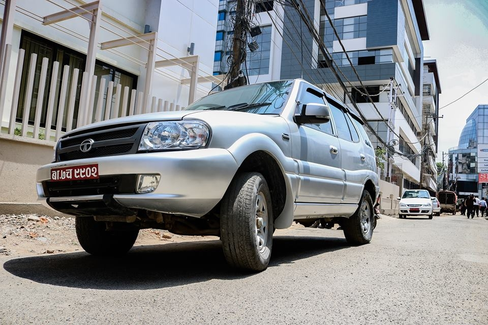 TATA SAFARI LX